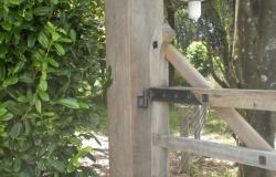 2 Onishi gate post.1190